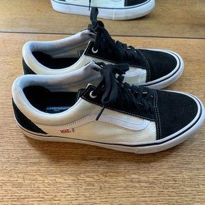 Tan/black old skool vans